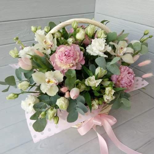 № 105 корзина с пионами, орхидеями и тюльпанами