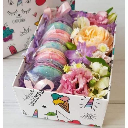 № 615 коробочка  с макарунами