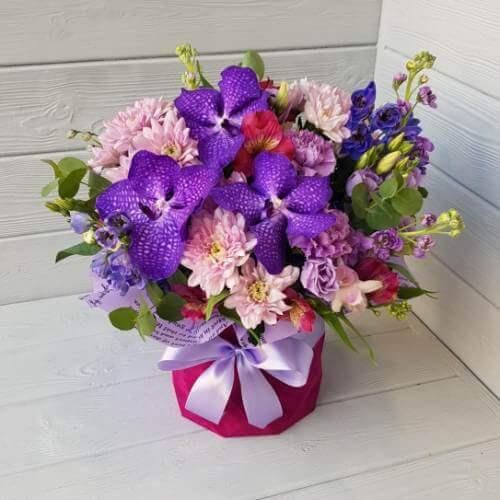 """№ 371 букет в шляпной коробке с орхидеей """" Ванда"""""""