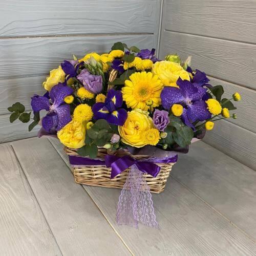 № 360 корзина с орхидеей, герберами и ирисами