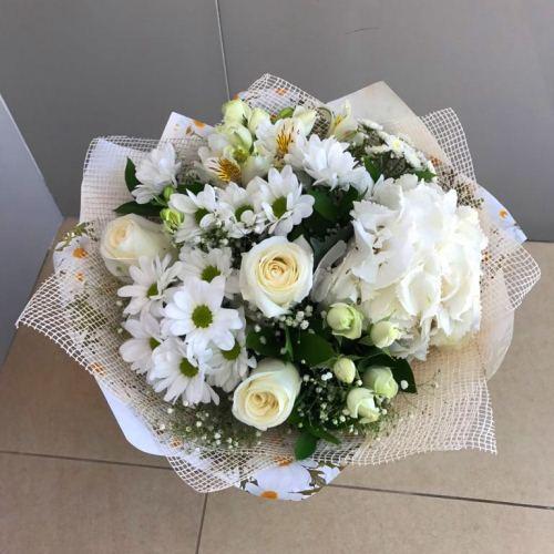 №213 букет с гортензией и розами