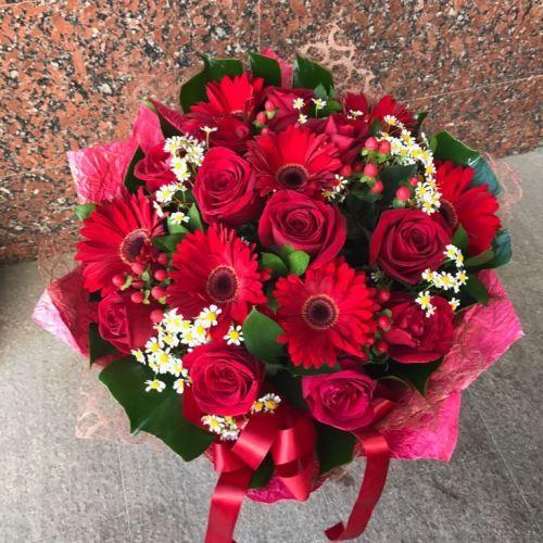 №23 букет из роз и гербер