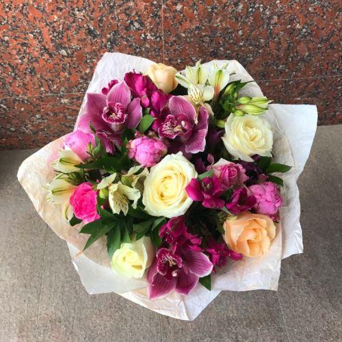 №194 букет с розами и орхидеей