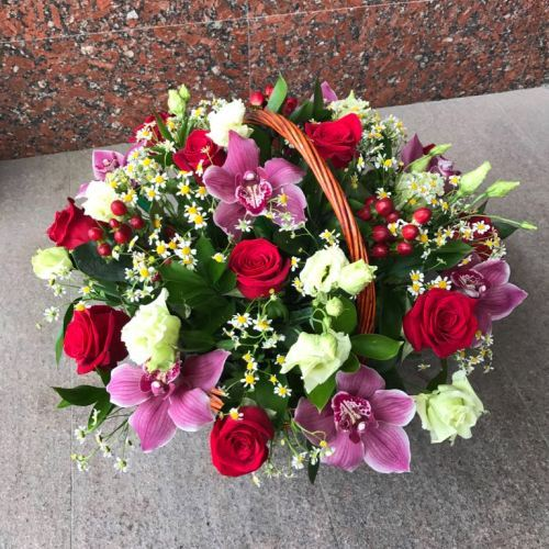 № 458  корзина с розами и орхидеями