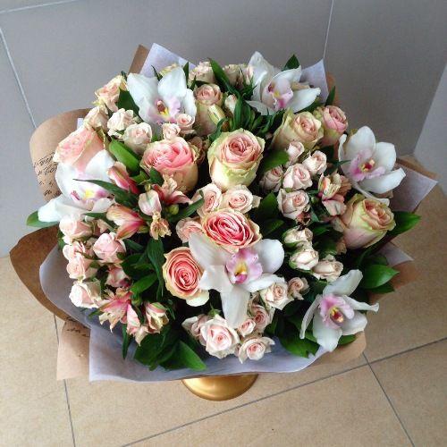 №186 букет из роз и орхидей
