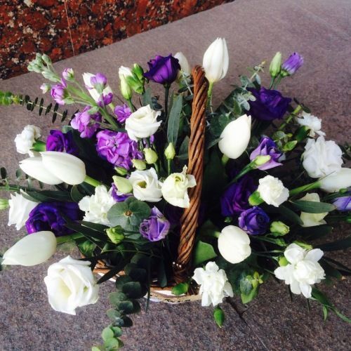 № 455 корзина с тюльпанами и эустомой