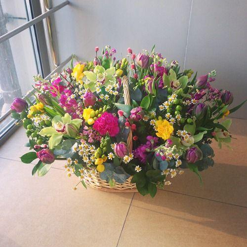 № 451  корзина весенних цветов