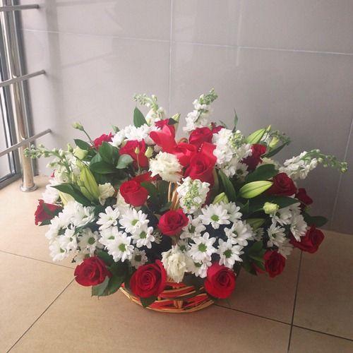 № 449 корзина с розами и хризантемой