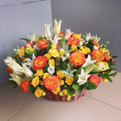 № 448 корзина с цветами лилии и розы