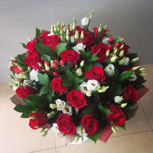 №79 букет с розами и эустомой