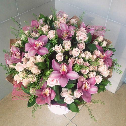 №14 букет из кустовой розы и орхидей