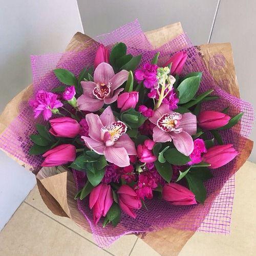 №88 букет с тюльпанами и орхидеей