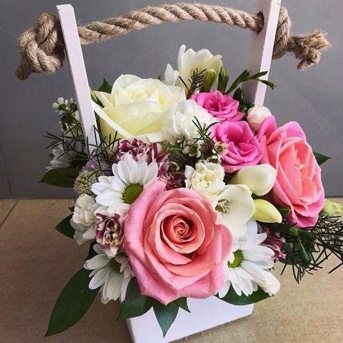 №148 ящик с розами и хризантемой