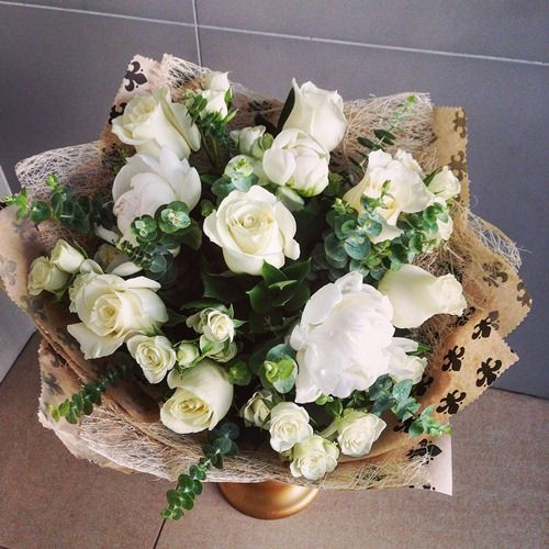 №74 букет с розами и пионами