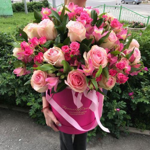 № 512 букет в шляпной коробке из роз