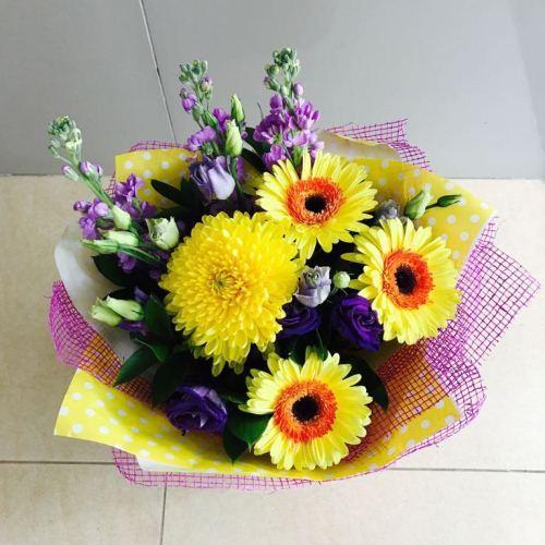 №214 букет с герберами и хризантемой