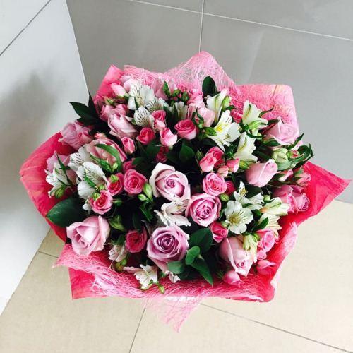 №133 букет с розами