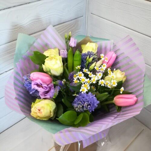 № 190 букет с гиацинтами , ромашкой, розой