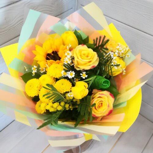№ 185 букет с розами и подсолнухом