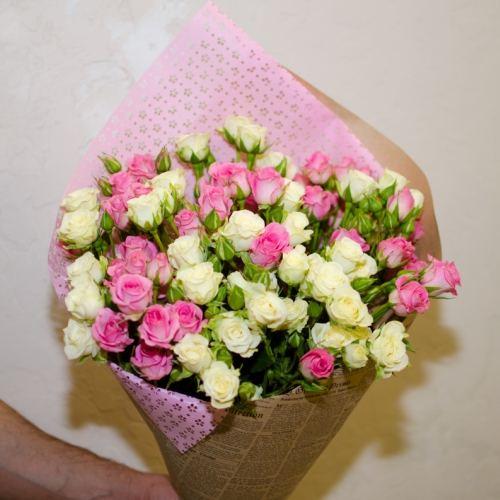 № 32 акция 15 кустовых роз в упаковке