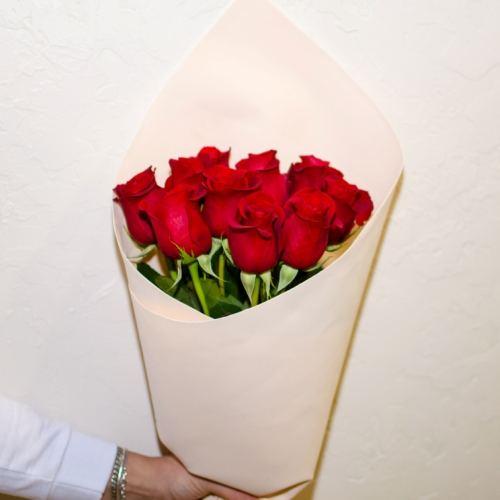 № 34 акция 11 роз эквадор в упаковке
