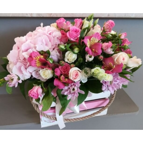№ 405 ящик с розами и гортензией
