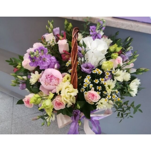 № 433  корзина с розами, пионами и ромашкой