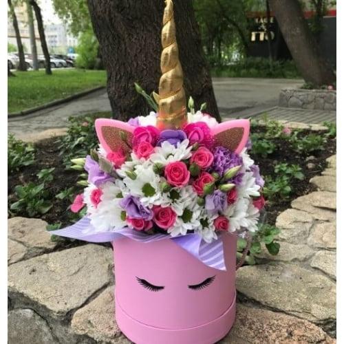 """№ 526 букет в шляпной коробке """"единорог розовый"""""""
