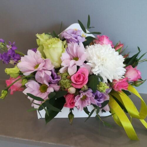 № 402 ящик с розами и хризантемой