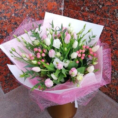 № 706 букет с тюльпанами и эустомой