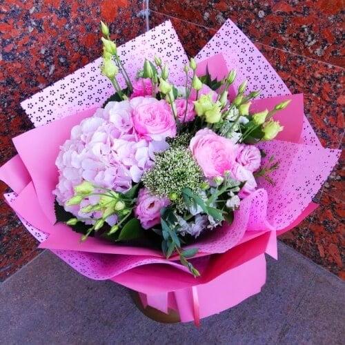 № 0439 букет с гортензией и розами