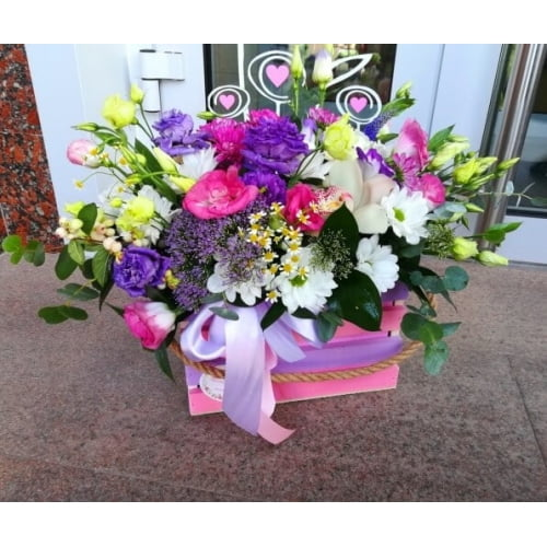 № 009 ящик с орхидеей и эустомой