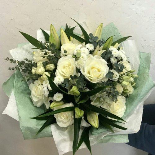 № 0443 букет с лилией и розами