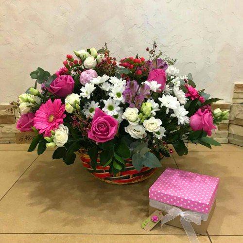 № 435 корзина с розами