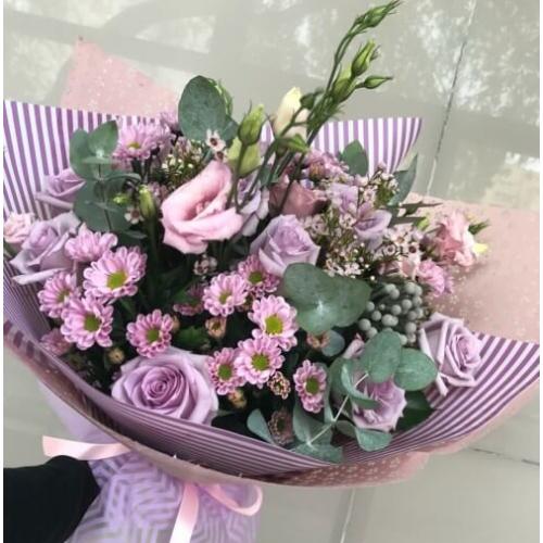 № 705 букет с розами и эустомой