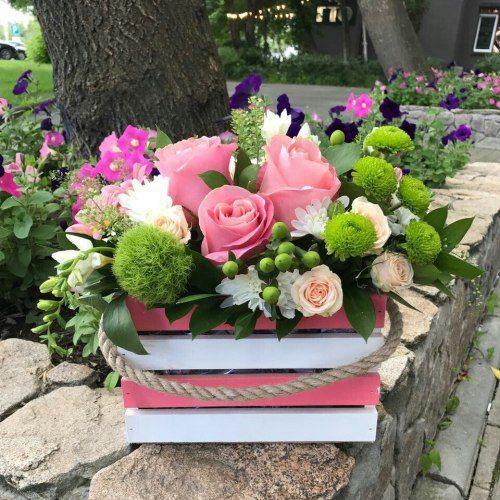 № 474 ящик с розами и хризантемой