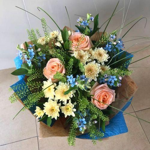 №259 букетт с розами и твидеей